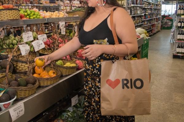 Buying Fruit 1